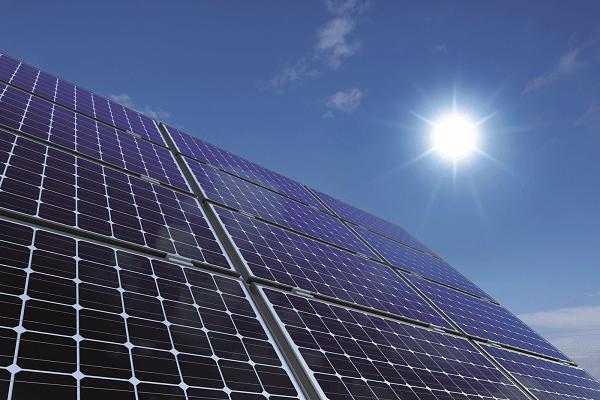 تركيا تخطط لعقد مناقصات كبيرة لإنشاء محطات للطاقة الشمسية وطاقة الرياح