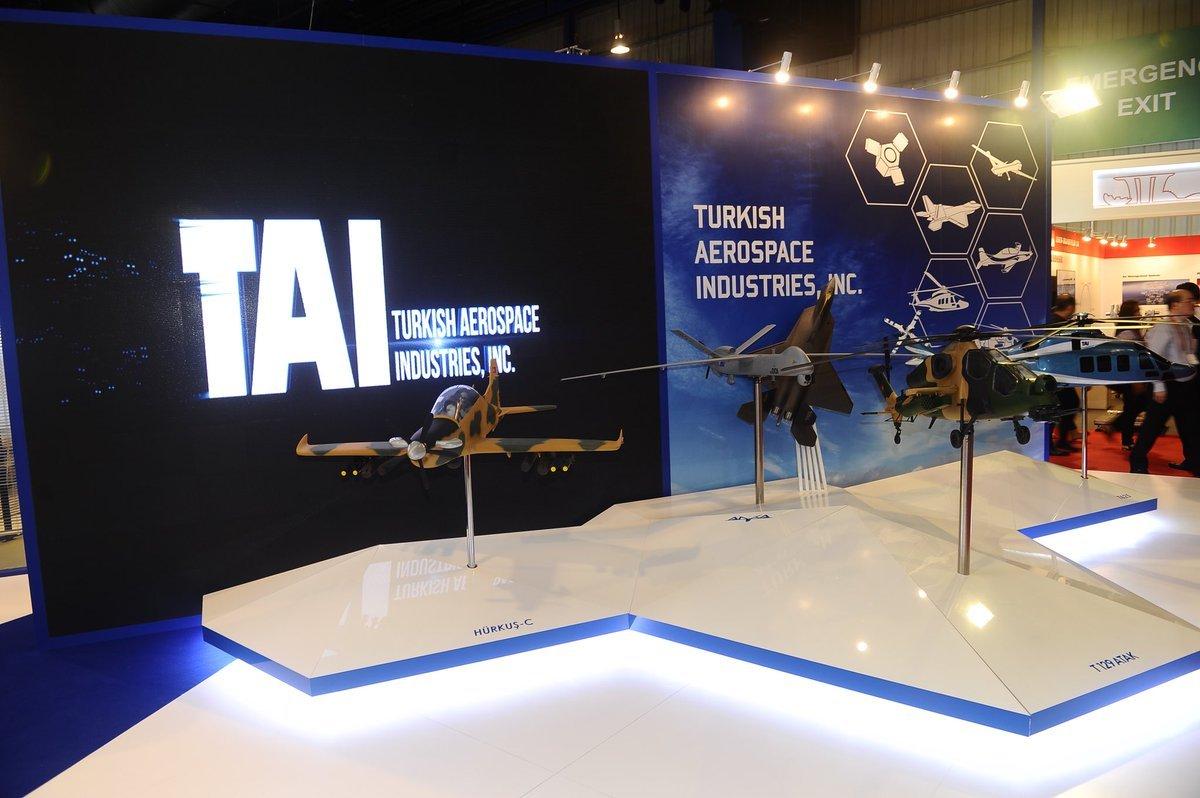 """""""توساش"""" التركية تعرض منتجاتها في معرض سنغافورة للطيران"""